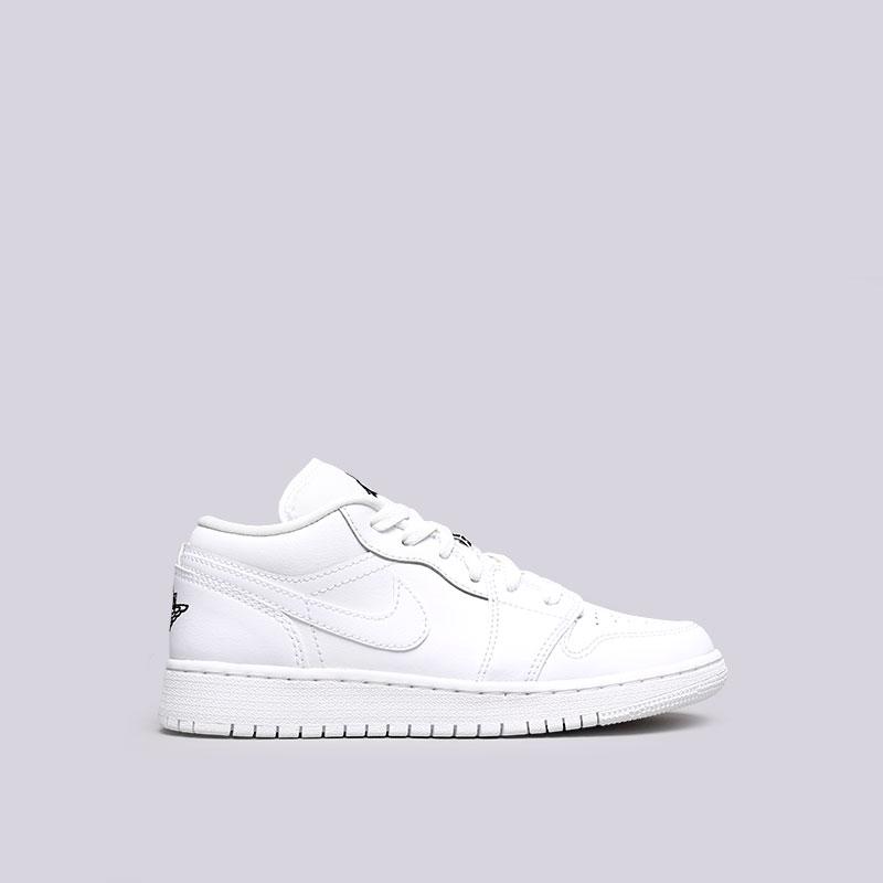 Кроссовки Jordan 1 Low BGКроссовки lifestyle<br>Кожа, синтетика, текстиль, резина<br><br>Цвет: Белый<br>Размеры US: 4Y;6Y<br>Пол: Женский