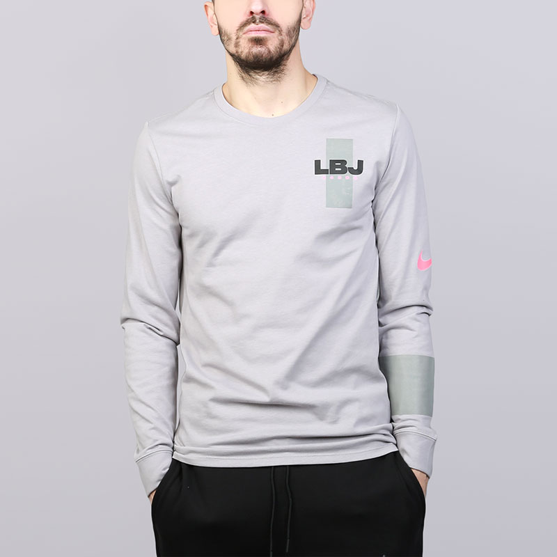 Лонгслив Nike Dry LeBron TopФутболки<br>Хлопок, полиэстер<br><br>Цвет: Серый<br>Размеры US: S;M;L;XL<br>Пол: Мужской