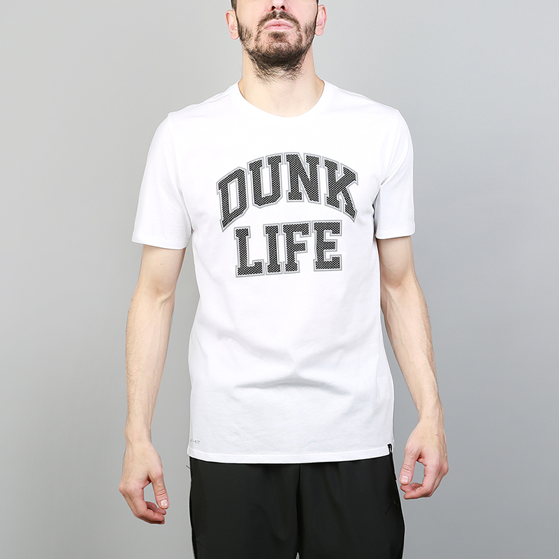 Футболка Jordan Rise Dunk Life BasketballФутболки<br>58% хлопок, 42% полиэстер<br><br>Цвет: Белый<br>Размеры US: S;M;L;XL;2XL<br>Пол: Мужской