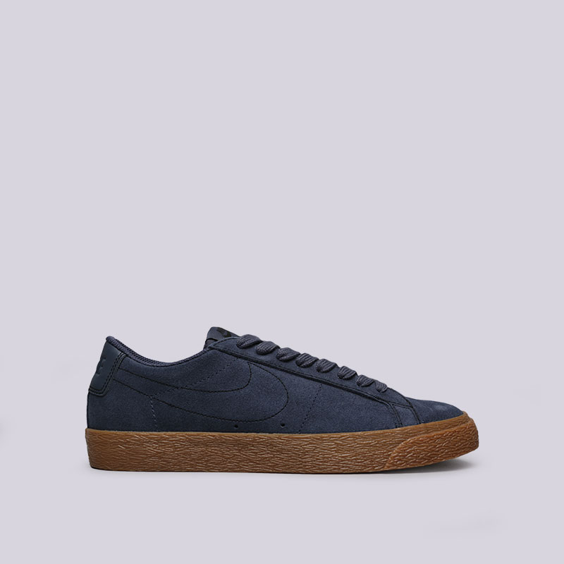 Кроссовки Nike SB Zoom Blazer LowКроссовки lifestyle<br>Кожа, синтетика, текстиль, резина<br><br>Цвет: Синий<br>Размеры US: 11;11.5;9.5<br>Пол: Мужской