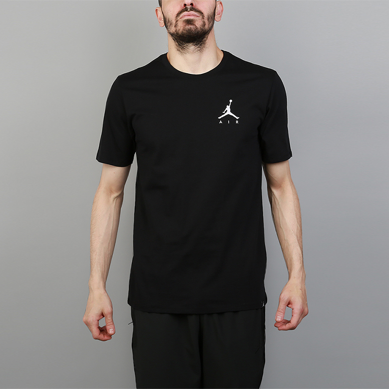 Футболка Jordan Sportswear Jumpman Air T-ShirtФутболки<br>100% хлопок<br><br>Цвет: Черный<br>Размеры US: S;M;L;XL;2XL<br>Пол: Мужской
