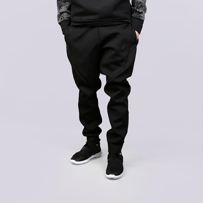 Брюки Jordan Sportswear Flight Tech PantsБрюки и джинсы<br>Полиэстер, эластан, хлопок<br><br>Цвет: Черный<br>Размеры US: S;L;XL;2XL<br>Пол: Мужской
