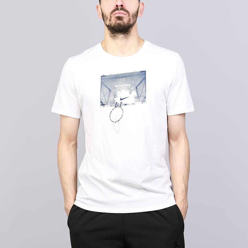 Мужская футболка Nike Graphic AJ2785-100  - купить со скидкой