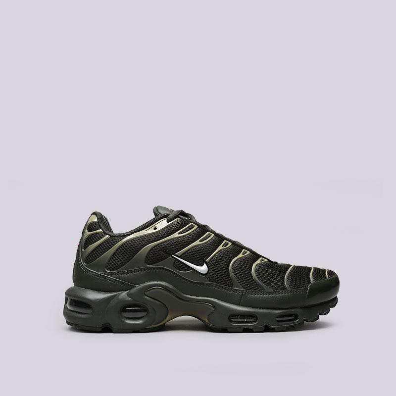 Кроссовки Nike Air Max PlusКроссовки lifestyle<br>Текстиль, резина<br><br>Цвет: Зелёный<br>Размеры US: 8;8.5;9;9.5;10;10.5;11;11.5;12<br>Пол: Мужской