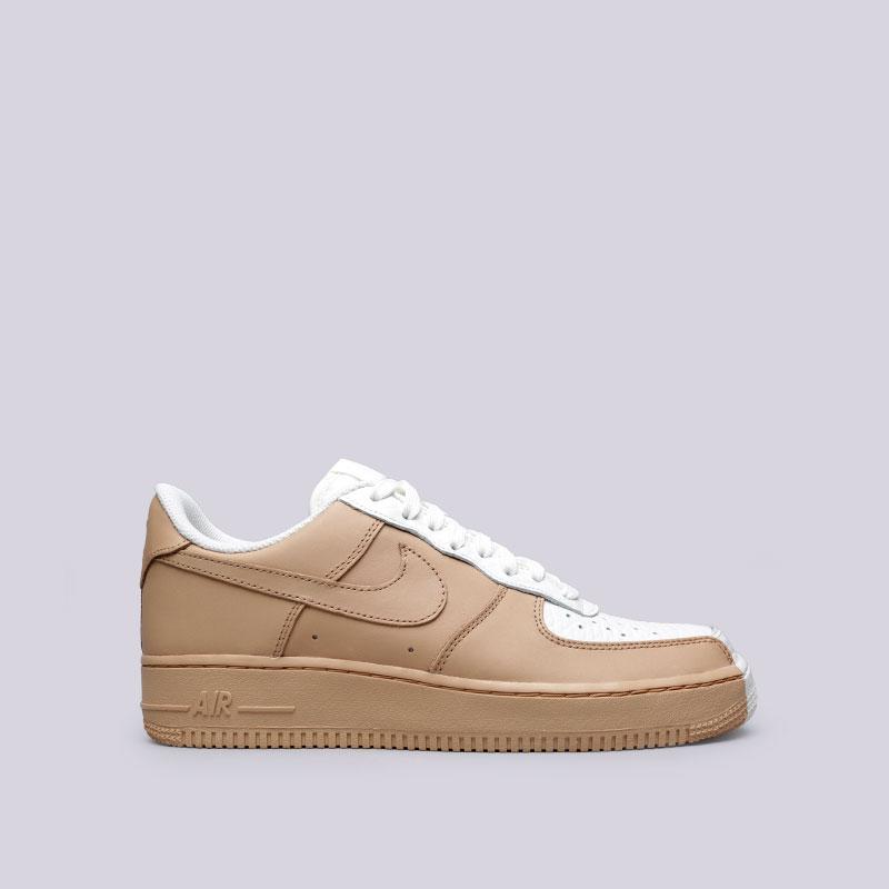 Кроссовки Nike Air Force 1 07 PRMКроссовки lifestyle<br>Кожа, текстиль, резина<br><br>Цвет: Белый, бежевый<br>Размеры US: 8;9;9.5;10;10.5;11;11.5;12<br>Пол: Мужской