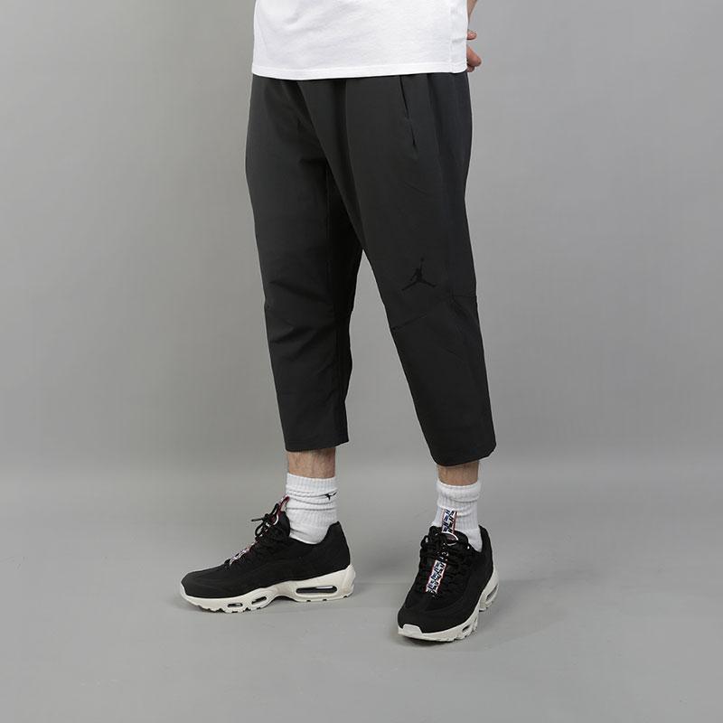 Брюки Jordan Ultimate Flight Mens 3/4 Basketball TrousersБрюки и джинсы<br>87% полиэстер, 13% эластан<br><br>Цвет: Черный<br>Размеры US: S;M;L;XL;2XL<br>Пол: Мужской