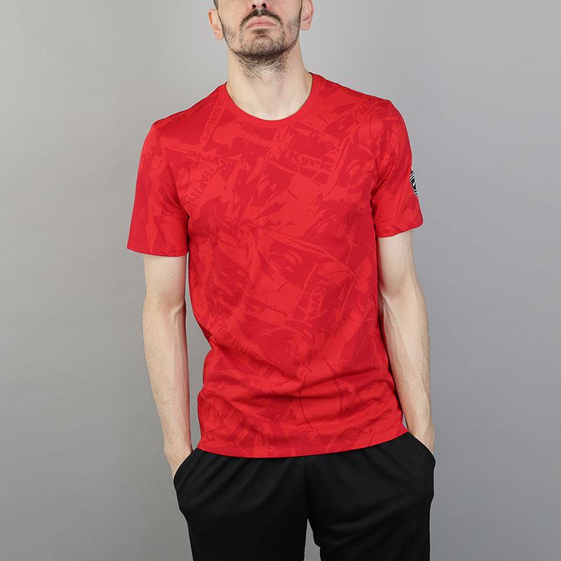 Футболка Nike Dri-FIT Kyrie Printed T-ShirtФутболки<br>58% хлопок, 42% полиэстер<br><br>Цвет: Красный<br>Размеры US: S;M;L;XL;2XL<br>Пол: Мужской