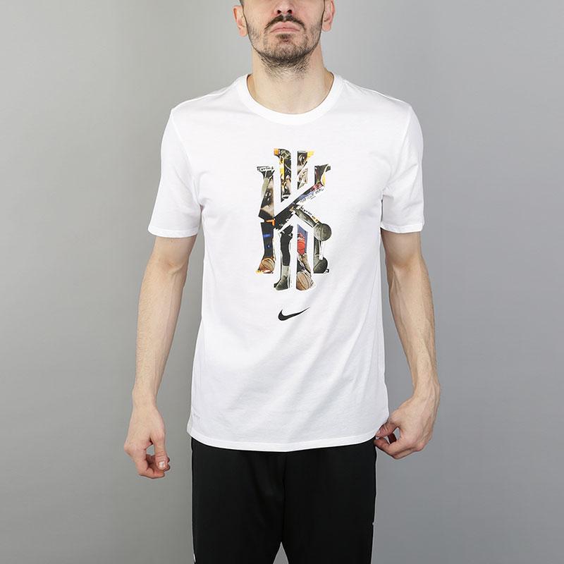 Футболка Nike Dri-FIT Kyrie CNY Basketball T-ShirtФутболки<br>58% хлопок, 42% полиэстер<br><br>Цвет: Белый<br>Размеры US: S;M;L;XL;2XL<br>Пол: Мужской