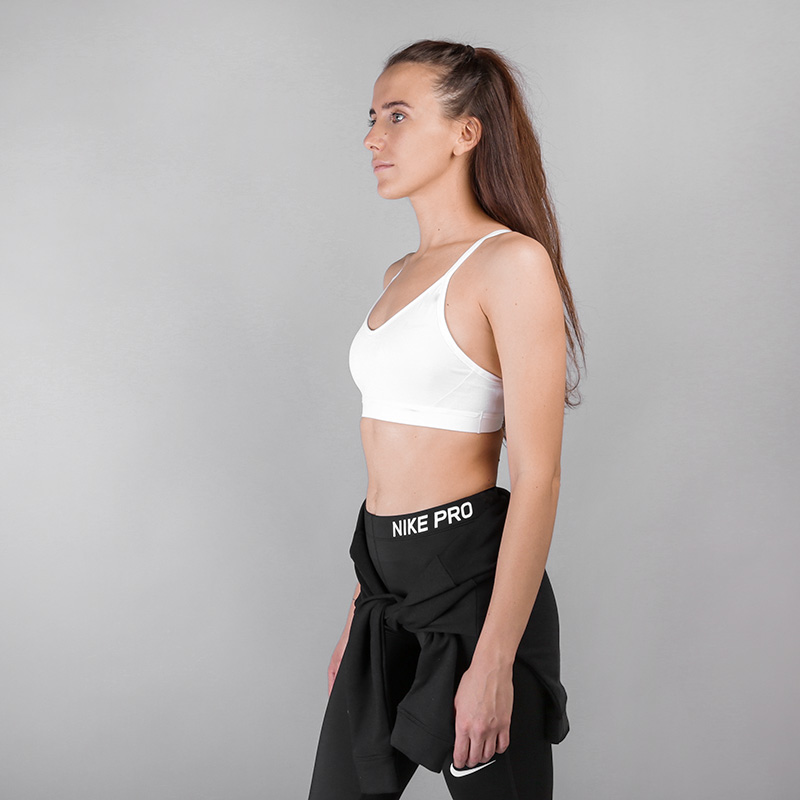 женский белый  топ nike indy sparkle light support sports bra AA2106-100 - цена, описание, фото 3