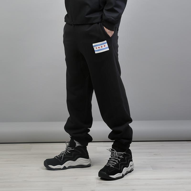 Брюки Nike NBA Chicago Bulls City Edition NikeБрюки и джинсы<br>80% хлопок, 20% полиэстер<br><br>Цвет: Черный<br>Размеры US: S;M;L;XL;2XL<br>Пол: Мужской