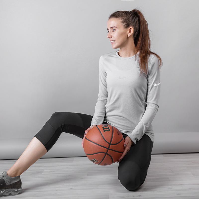 Футболка Nike BREATHE ELITEФутболки<br>Полиэстер, хлопок, вискоза<br><br>Цвет: Серый<br>Размеры US: S;XS<br>Пол: Женский