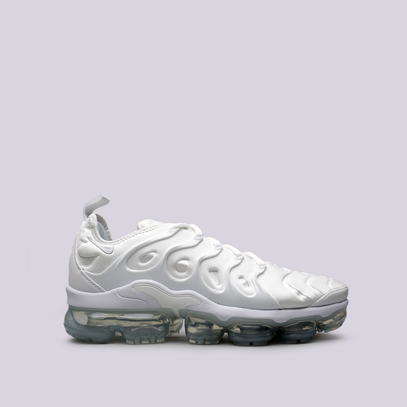 Кроссовки Nike Air Vapormax PlusКроссовки lifestyle<br>Пластик, текстиль, резина<br><br>Цвет: Белый<br>Размеры US: 10.5;12<br>Пол: Мужской