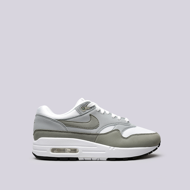 Кроссовки Nike WMNS Air Max 1Кроссовки lifestyle<br>Текстиль, резина<br><br>Цвет: Белый, серый<br>Размеры US: 6;8.5;6.5;7;7.5<br>Пол: Женский