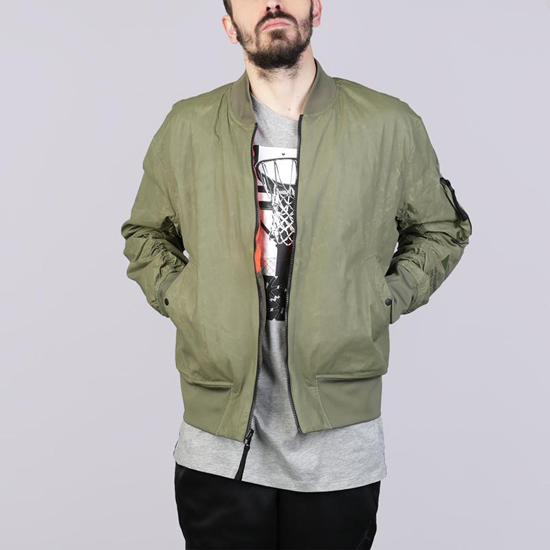 Куртка Nike AF1 Reversible JacketКуртки, пуховики<br>Нейлон, полиэстер, эластан<br><br>Цвет: Зелёный<br>Размеры US: S;M;L<br>Пол: Мужской