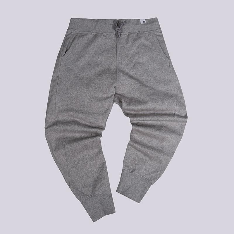 Брюки adidas X By O SweatpantБрюки и джинсы<br>100% хлопок<br><br>Цвет: Серый<br>Размеры UK: L;M;S;XL<br>Пол: Мужской