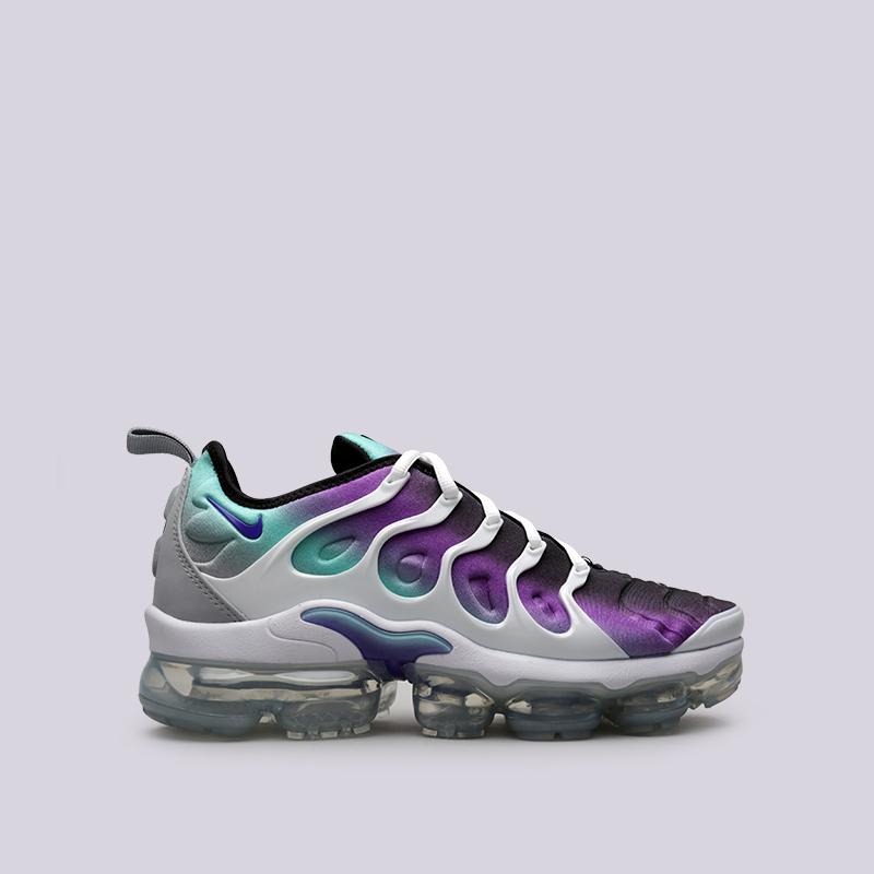 Кроссовки Nike Air Vapormax PlusКроссовки lifestyle<br>Пластик, текстиль, резина<br><br>Цвет: Белый, фиолетовый<br>Размеры US: 8.5;9;10;12<br>Пол: Мужской