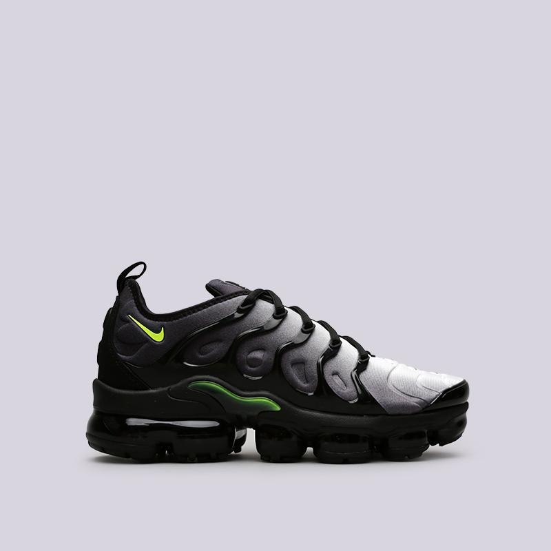 Кроссовки Nike Air Vapormax PlusКроссовки lifestyle<br>Пластик, текстиль, резина<br><br>Цвет: Чёрный<br>Размеры US: 8.5<br>Пол: Мужской