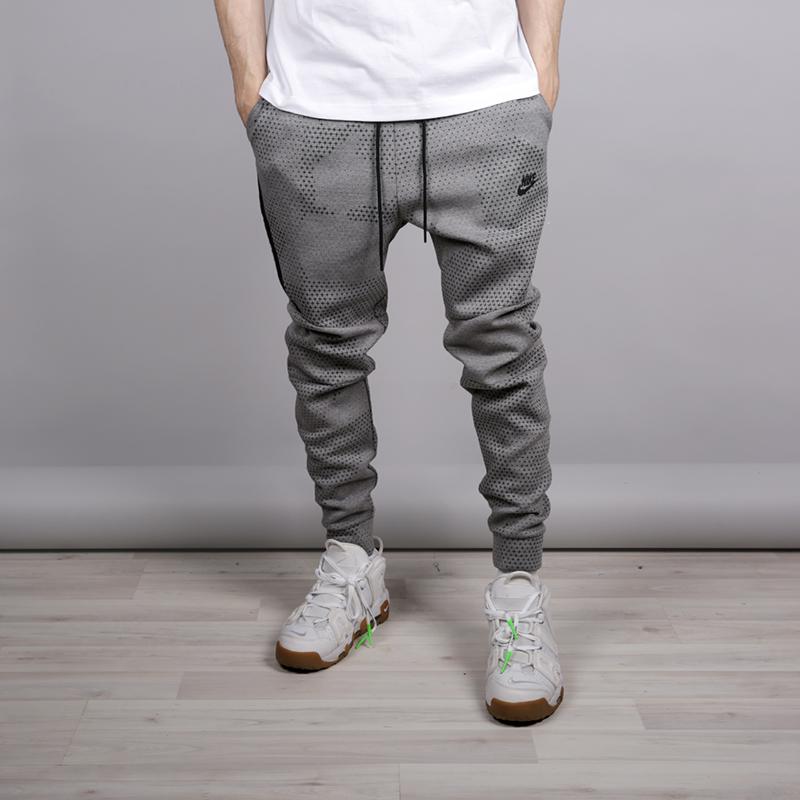 Брюки Nike Tech Fleece Pant GX 1.0Брюки и джинсы<br>Хлопок, полиестер<br><br>Цвет: Серый<br>Размеры US: L;M;XL<br>Пол: Мужской