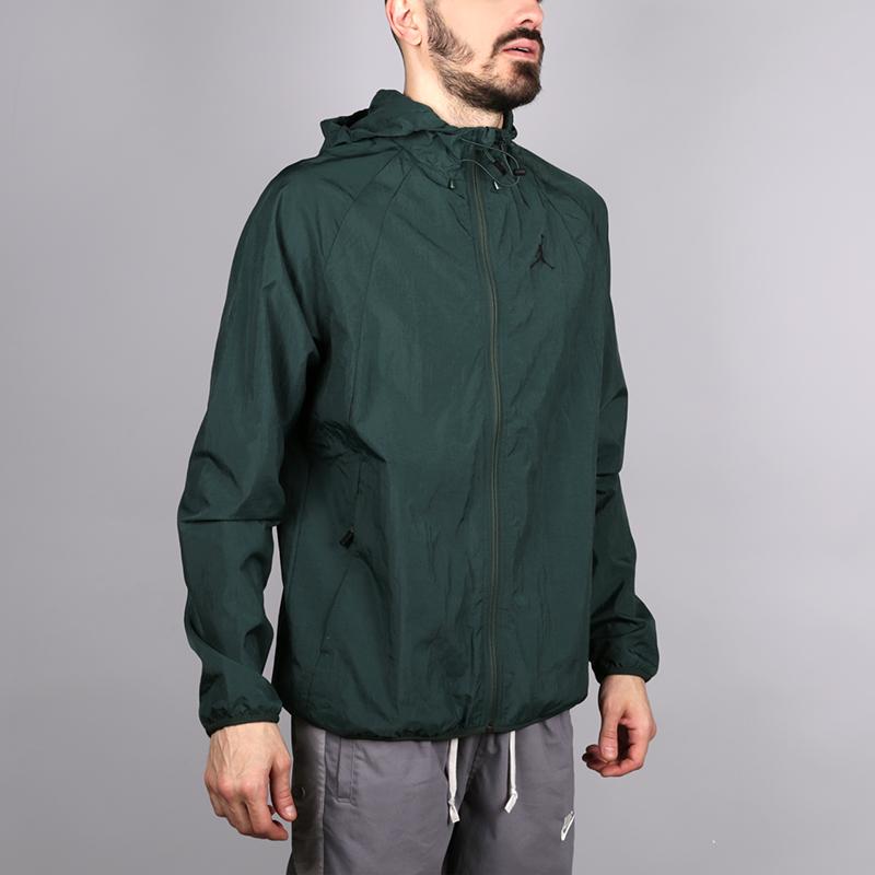 Куртка Jordan Wings Windbreaker JacketКуртки, пуховики<br>Нейлон, полиестер<br><br>Цвет: Зелёный<br>Размеры US: M;L;XL;2XL<br>Пол: Мужской