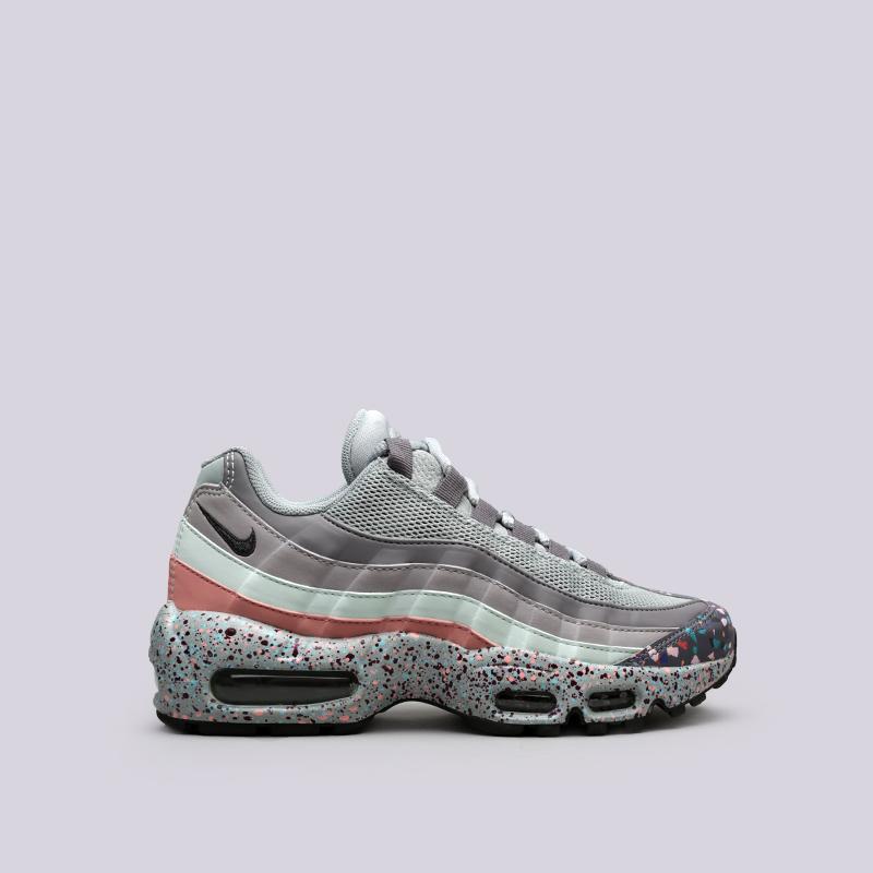 Кроссовки Nike WMNS Air Max 95 SEКроссовки lifestyle<br>Синтетика, текстиль, резина, пластик<br><br>Цвет: Мультиколор<br>Размеры US: 6;6.5;7;7.5;8;8.5;9<br>Пол: Женский
