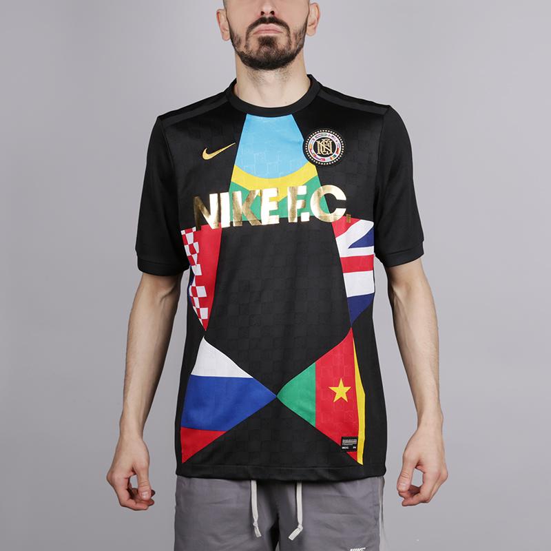 Футболка Nike F.C.Футболки<br>Полиестер<br><br>Цвет: Чёрный<br>Размеры US: S;M;L<br>Пол: Мужской