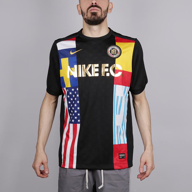 Футболка Nike F.C.Футболки<br>Полиестер<br><br>Цвет: Чёрный<br>Размеры US: M;S;XL<br>Пол: Мужской