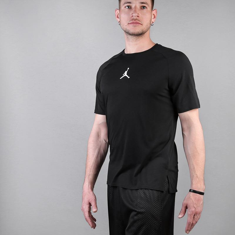 Футболка Jordan Dry Fit 23 Alpha ShortФутболки<br>Полиэстер,хлопок, вискоза<br><br>Цвет: Черный<br>Размеры US: XL;2XL<br>Пол: Мужской