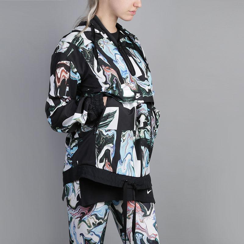 Куртка Nike Printed JacketКуртки, пуховики<br>100% полиэстер<br><br>Цвет: Мультиколор<br>Размеры US: S<br>Пол: Женский