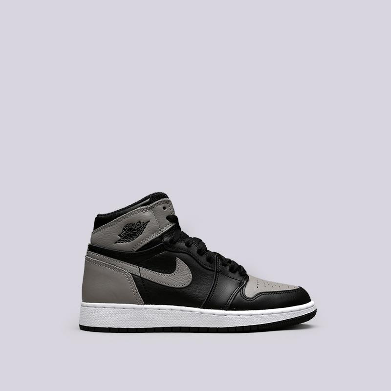 Кроссовки Jordan 1 Retro High OG BGКроссовки lifestyle<br>Кожа, текстиль, резина<br><br>Цвет: Чёрный, серый<br>Размеры US: 4Y;4.5Y;5Y;5.5Y;6Y;7Y<br>Пол: Женский