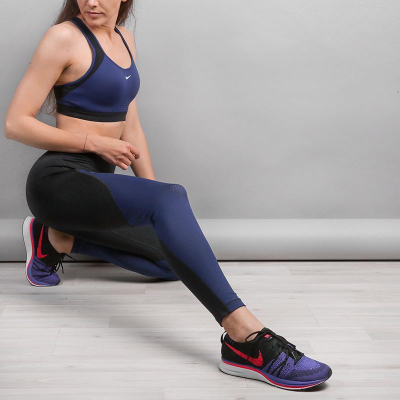 Тайтсы Nike Pro HyperCoolБрюки и джинсы<br>Полиэстер, эластан<br><br>Цвет: Черный<br>Размеры US: L;M;S;XS<br>Пол: Женский