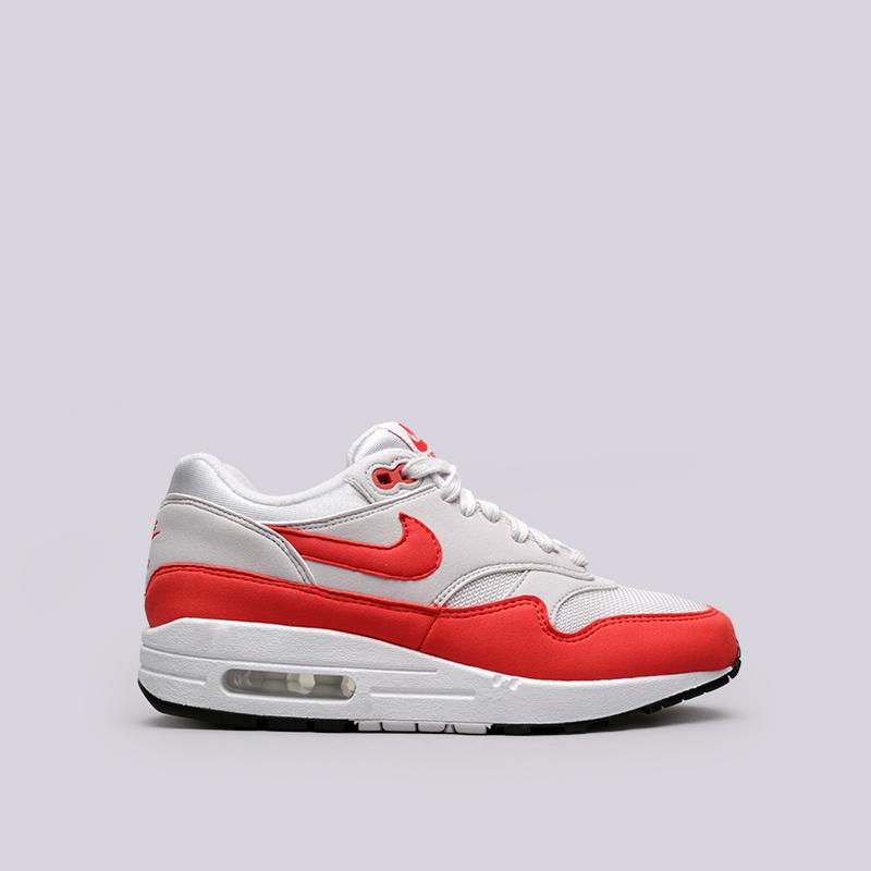 Кроссовки Nike WMNS Air Max 1Кроссовки lifestyle<br>Текстиль, резина<br><br>Цвет: Серый, красный<br>Размеры US: 6;6.5;7;7.5;8;8.5;9<br>Пол: Женский
