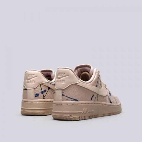 Купить женские бежевые  кроссовки nike wmns air force 1 '07 lx в магазинах Streetball - изображение 4 картинки