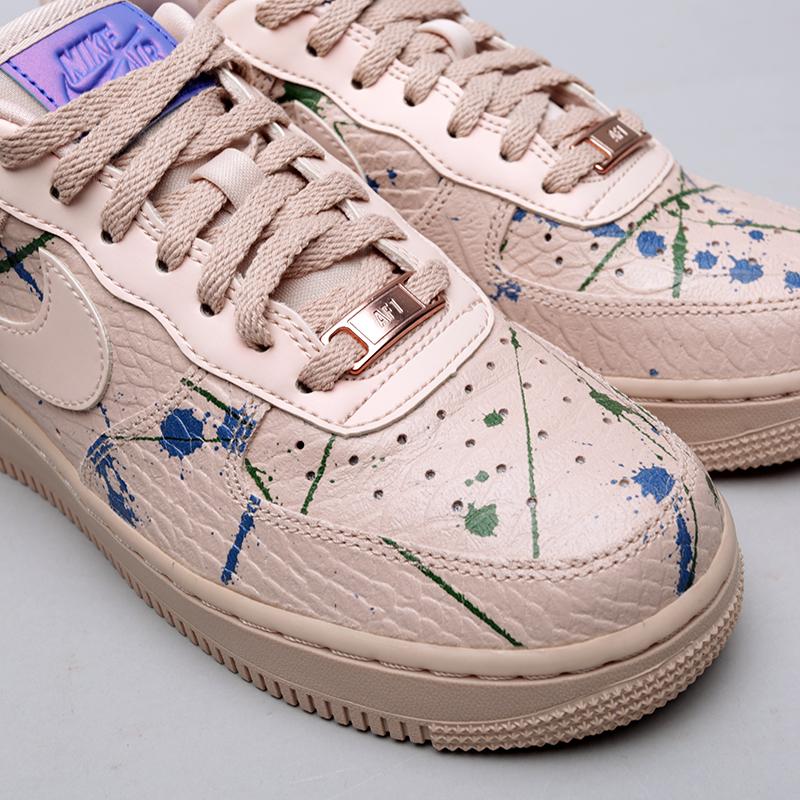 Купить женские бежевые  кроссовки nike wmns air force 1 '07 lx в магазинах Streetball изображение - 5 картинки