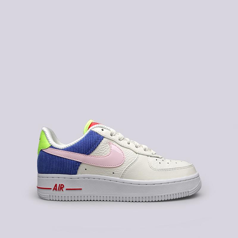 Кроссовки Nike WMNS Air Force 1 LOКроссовки lifestyle<br>Кожа, текстиль, синтетика, резина<br><br>Цвет: Бежевый<br>Размеры US: 6;6.5;7<br>Пол: Женский