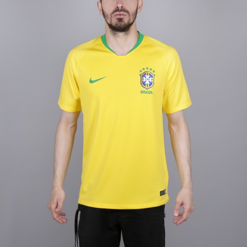 мужскую жёлтую  футболка nike brasil 893856-749 - цена, описание, фото 1