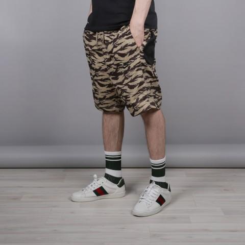 мужские камуфляж  шорты nike all over print AO1116-235 - цена, описание, фото 2