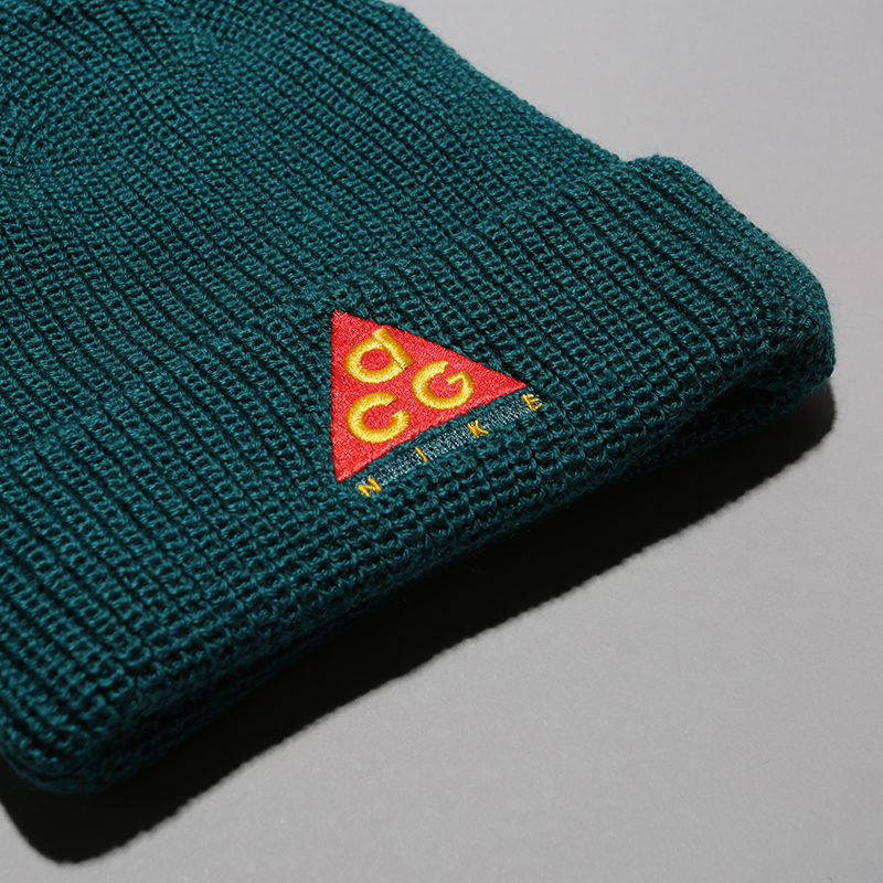 зелёную  шапка nike acg beanie AV4775-381 - цена, описание, фото 2