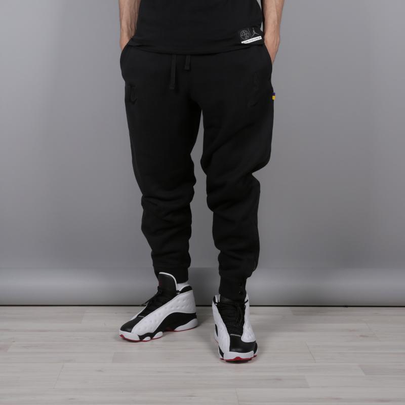 dbf9fe7f Мужские брюки Lakers от Nike (AH4281-010) купить по цене 2990 руб. в ...