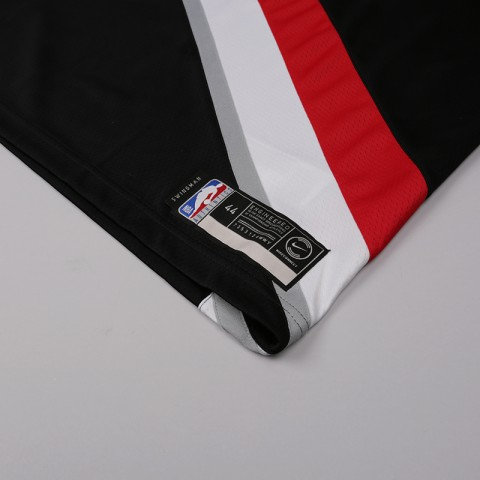 мужскую чёрную  майку nike damian lillard icon edition swingman jersey 864505-010 - цена, описание, фото 3
