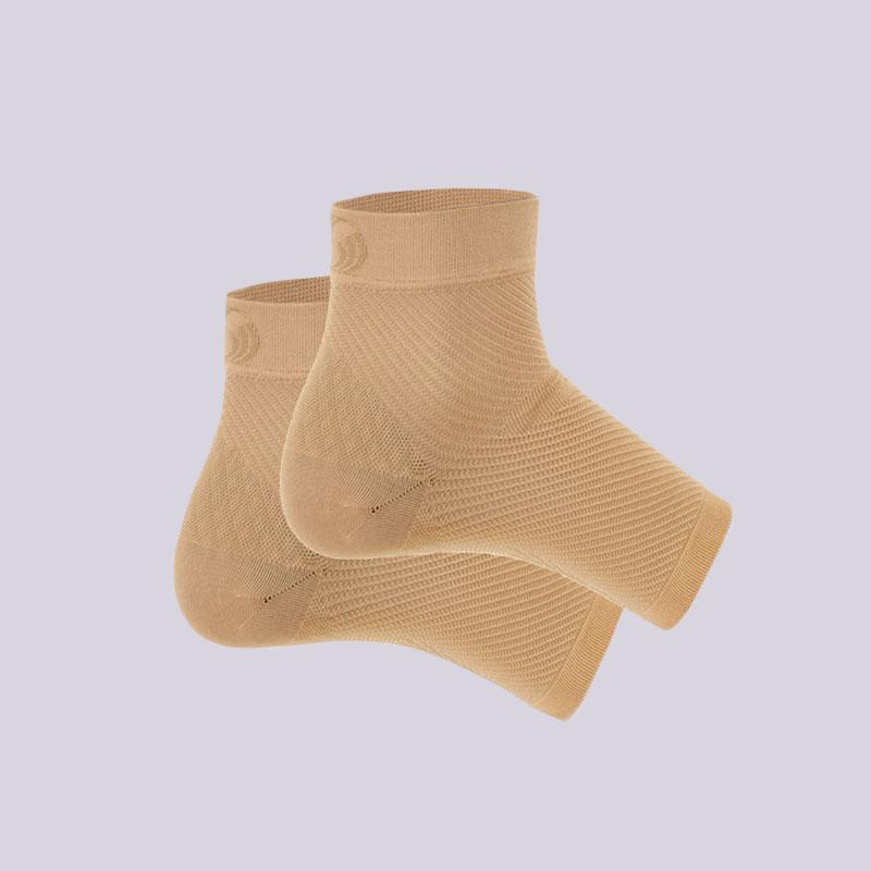 бежевый  фиксатор голеностопа os1st performance foot sleeve FS6-бежевый - цена, описание, фото 1