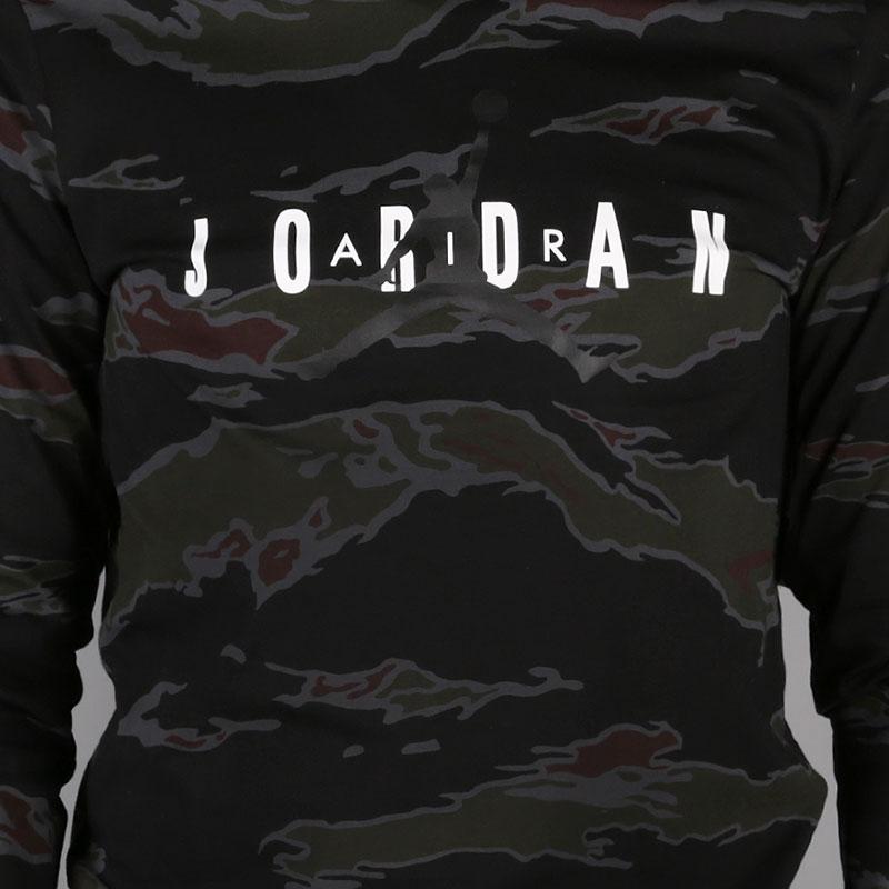 мужской черный, серый  лонгслив jordan sportswear tech men's graphic long-sleeve t-shirt AH6331-070 - цена, описание, фото 5