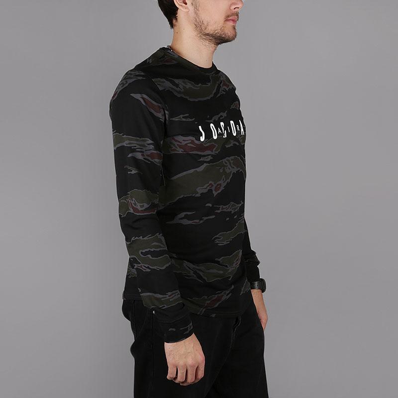 5587ddf4da6a Мужской лонгслив Sportswear Tech Men s Graphic Long-Sleeve T-Shirt ...