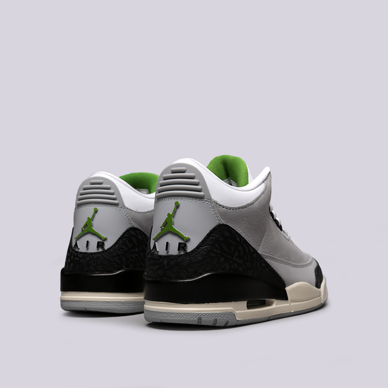 мужские серые  кроссовки jordan 3 retro 136064-006 - цена, описание, фото 3