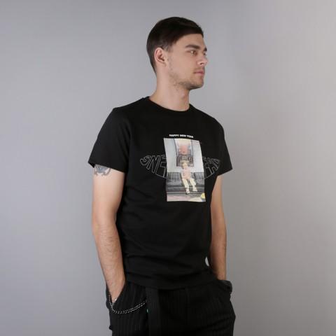 мужскую чёрную  футболка sneakerhead один дома Alone tee - цена, описание, фото 3