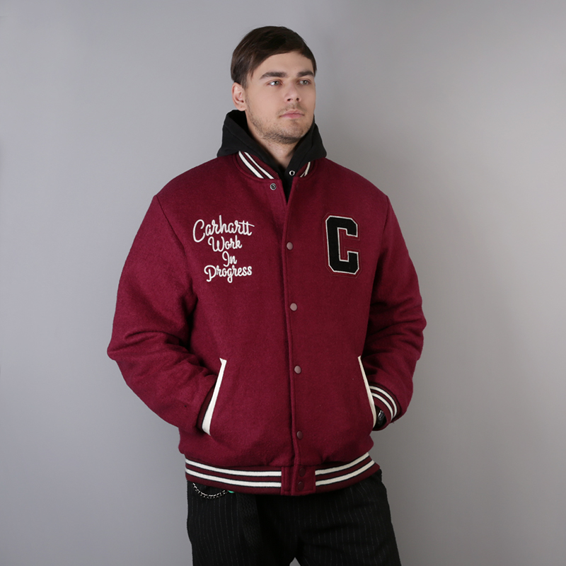 fe490cbf695 мужскую бордовую куртку carhartt wip pembroke varsity i025105-mulberry/wax  - цена, описание