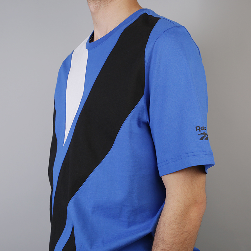 мужскую синюю  футболка reebok vector tee DH1274 - цена, описание, фото 4
