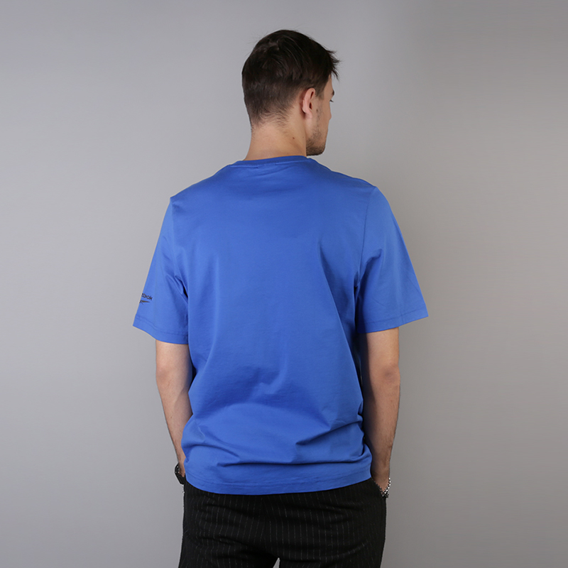 мужскую синюю  футболка reebok vector tee DH1274 - цена, описание, фото 3