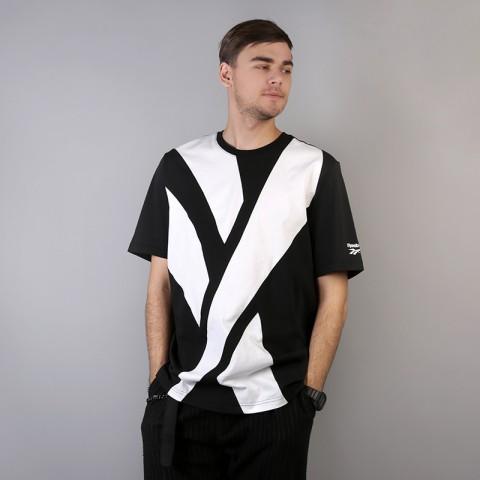 мужскую чёрную  футболка reebok vector tee DH1275 - цена, описание, фото 1