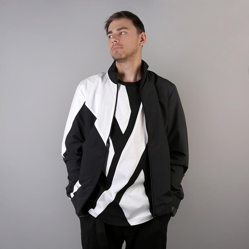 мужскую чёрную  куртку reebok lf tracktop DJ1950 - цена, описание, фото 1