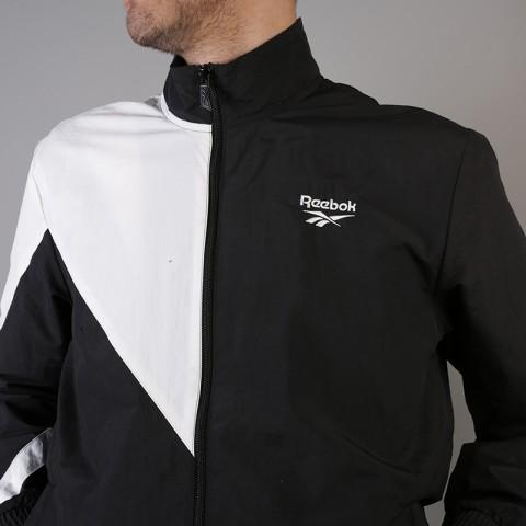 мужскую чёрную  куртку reebok lf tracktop DJ1950 - цена, описание, фото 4